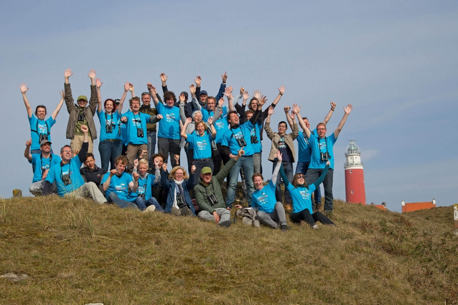 All participating teams and organization at the Texel Lighthouse after the Big Day